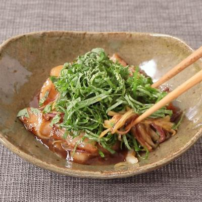 豚トロ炒めの香味野菜のせ