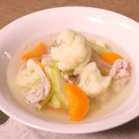 カリフラワーのあっさり肉野菜スープ
