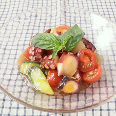 三杯酢ジュレでミニトマトとタコのサラダ