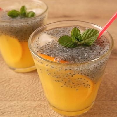 バジルシードの炭酸オレンジジュース