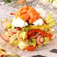 手作りバルサミコドレッシングのおしゃれサラダ