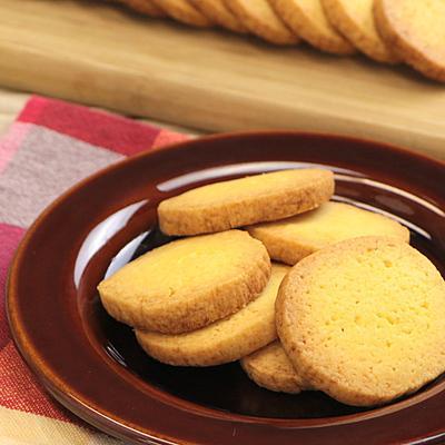材料4つで簡単 プレーンアイスボックスクッキー