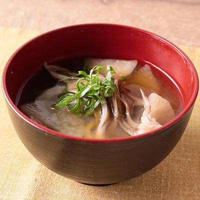 舞茸と大根のお味噌汁