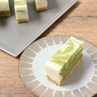 抹茶のマーブルレアチーズケーキ