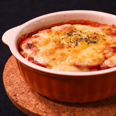 お豆とソーセージのトマトグラタン