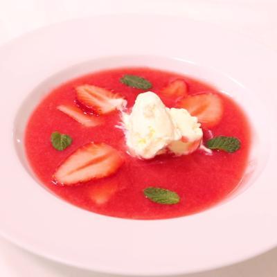 ひんやり美味しい!いちごのデザートスープ