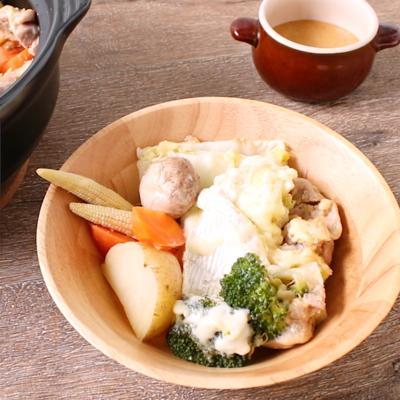 お手軽蒸し野菜の鶏みそチーズ鍋