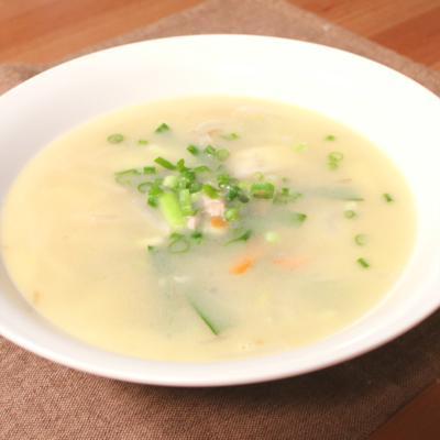 たっぷり野菜のみそバタースープ