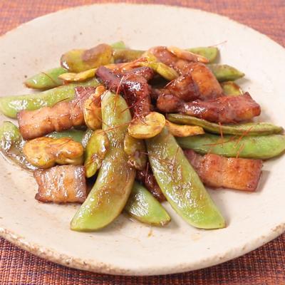 豚バラ肉とスナップえんどうの黒酢炒め