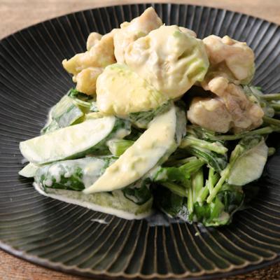 アボカドと鶏もも肉のわさびマヨポンサラダ