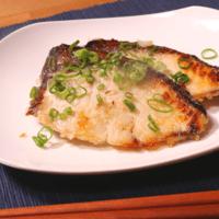 材料3つ!オーブンで簡単!ブリの塩麹焼き