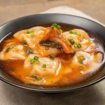 一度たべたら止まらない!キムチ水餃子スープ