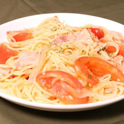 トマトとベーコンのスパゲティ