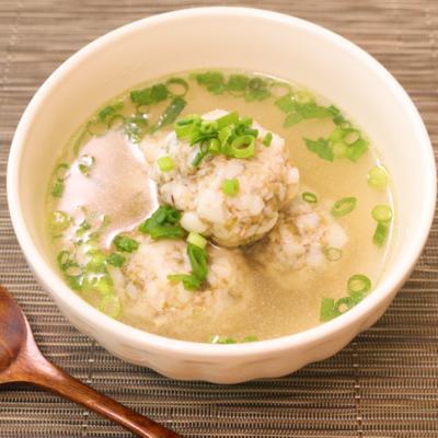 ふわとろ食感!とろろ昆布とはんぺん鶏団子のスープ