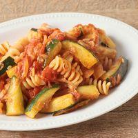 ズッキーニとツナのトマトソースパスタ