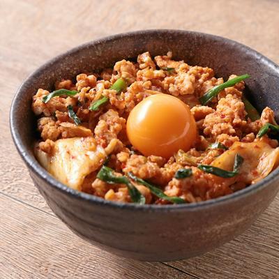 鶏ひき肉のピリ辛親子丼
