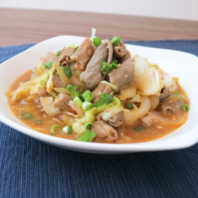 豚モツとキャベツのピリ辛味噌炒め