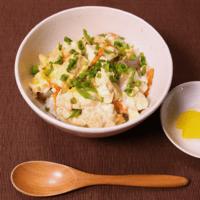 ほっとする味!豆腐とこんにゃくの卵とじ丼