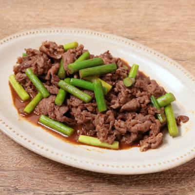 牛肉とニンニクの芽のピリ辛炒め