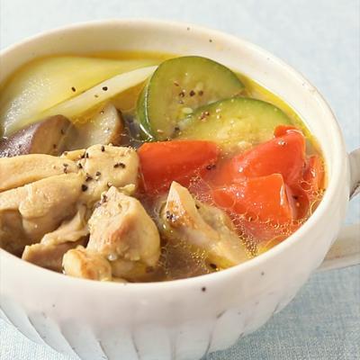 鶏肉と夏野菜のカレー風味ポトフ
