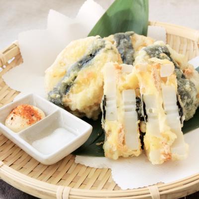 明太チーズを挟んだレンコンの天ぷら
