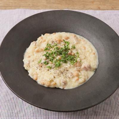 白いんげん豆と豚バラ肉の豆乳リゾット風