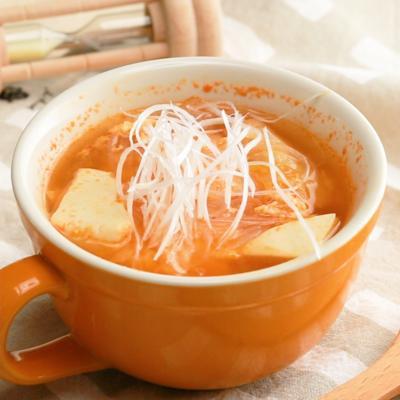 キムチと卵の春雨スープ