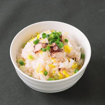 食用菊とタコの炊き込みご飯