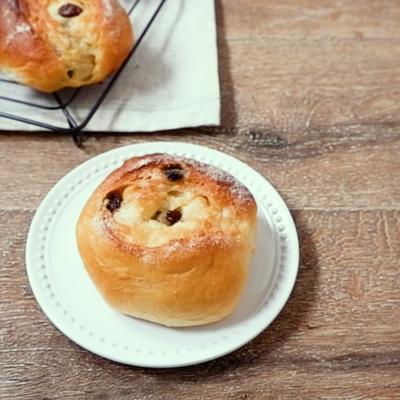 レーズンシュガーバターパン