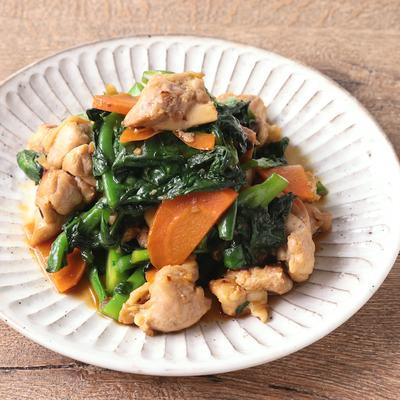 鶏もも肉とつるむらさきの簡単さっぱり炒め