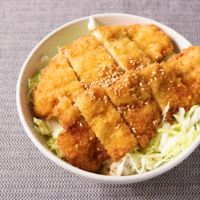 サクサクジューシー 鶏ささみのタレカツ丼