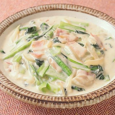 小松菜とベーコンのクリーム炒め煮