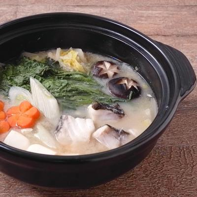 白みそでやさしい鱈鍋