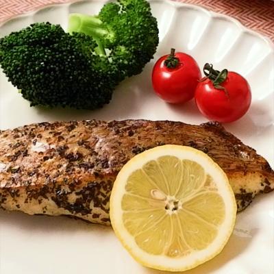 香り豊かな鯛のバジルソテー