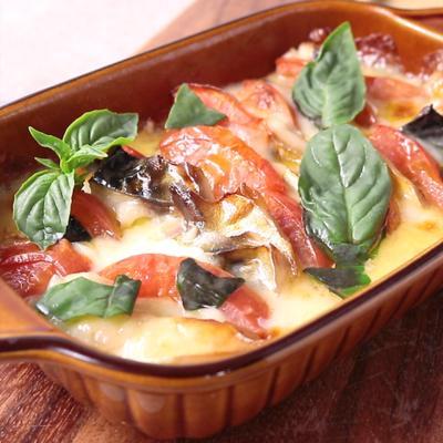 とろーりチーズのサバとトマトの重ね焼き