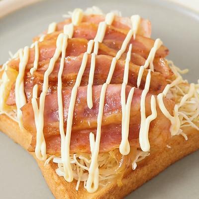 ベーコンで 生姜焼きトースト