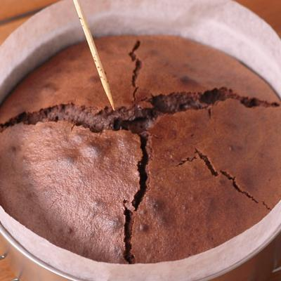 ケーキの焼き上がりの見極め方