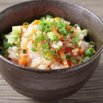 にんじんとツナの混ぜご飯